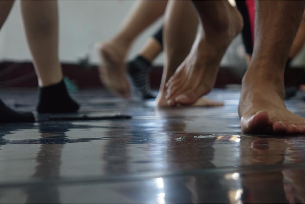 人人皆能跳舞! 壞鞋子劇場鋪化出素人表演者的春泥路